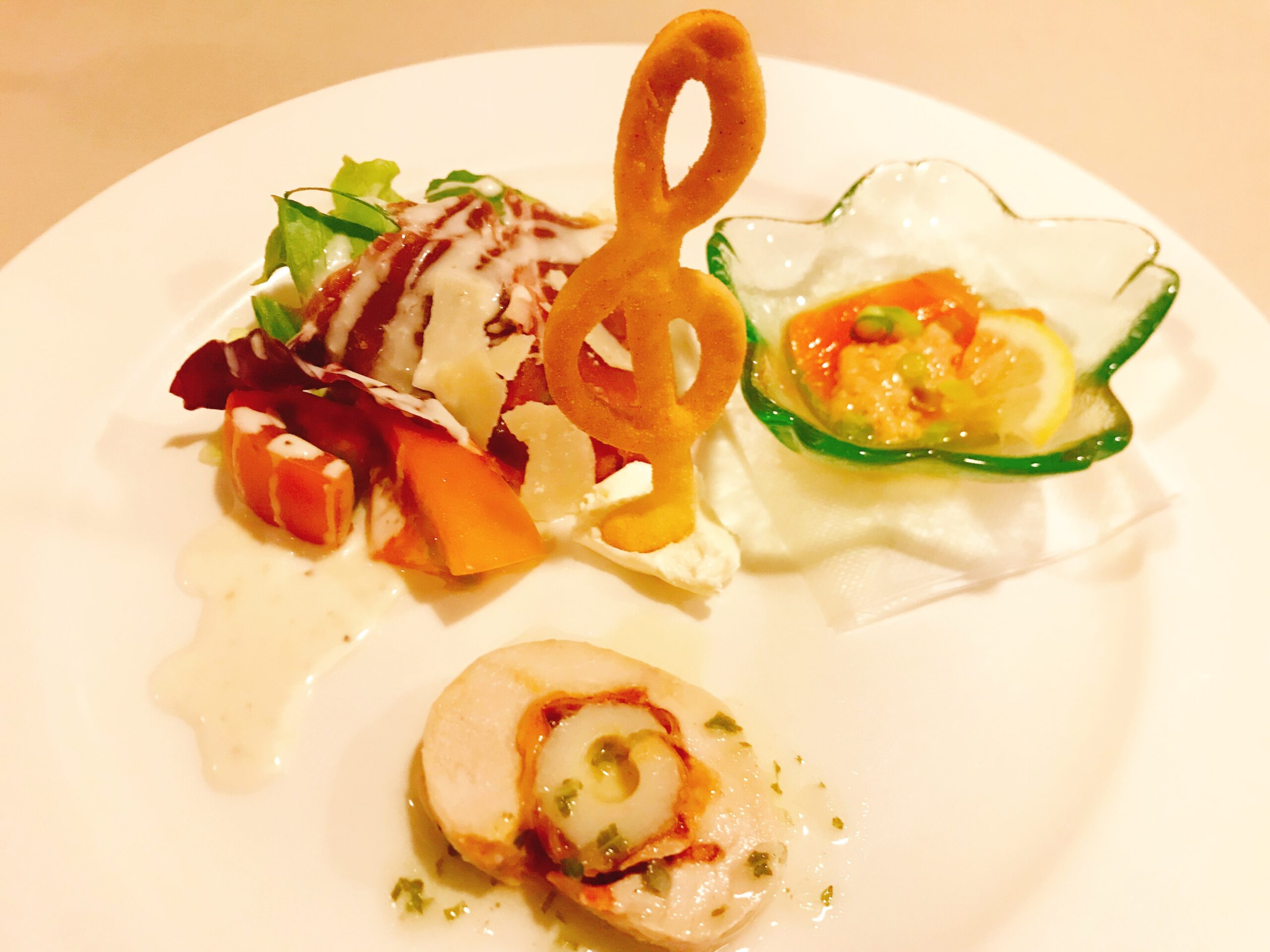 「MASUZO エールセット」名物〈前菜のプレート盛り〉
