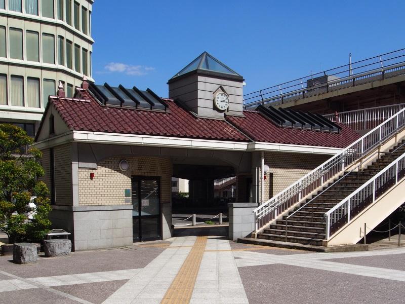 福島駅前公衆トイレ