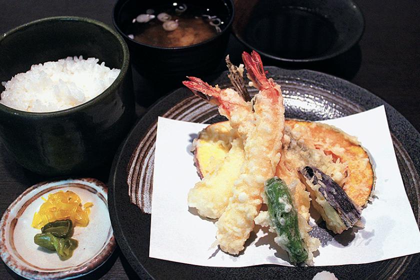 天ぷら・和食処 谷津家