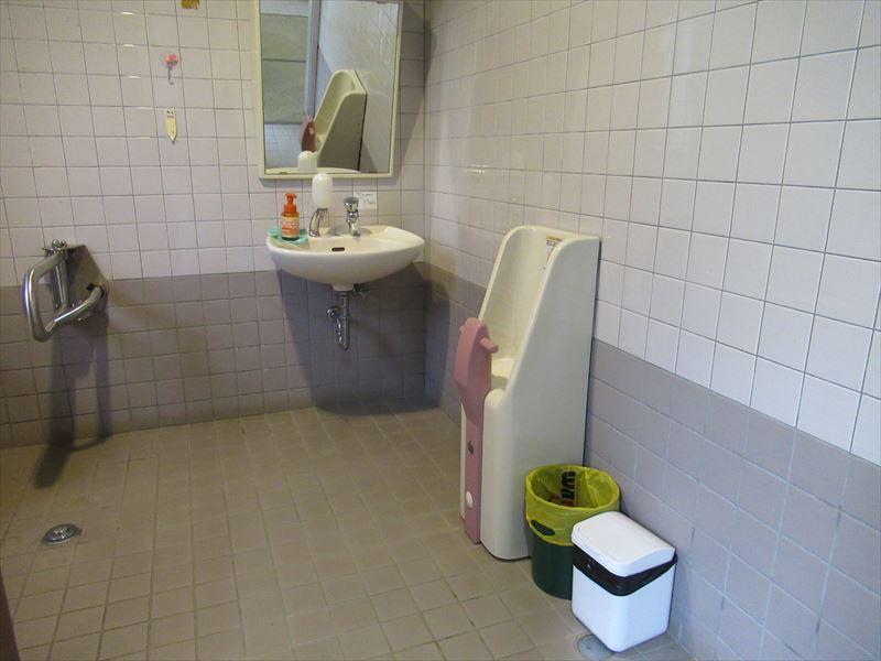 車いす対応トイレ