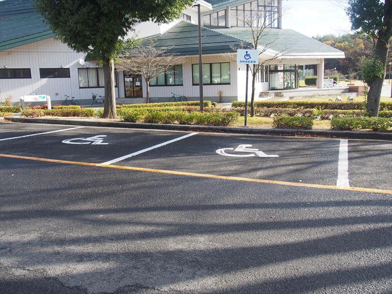 体育館前駐車場