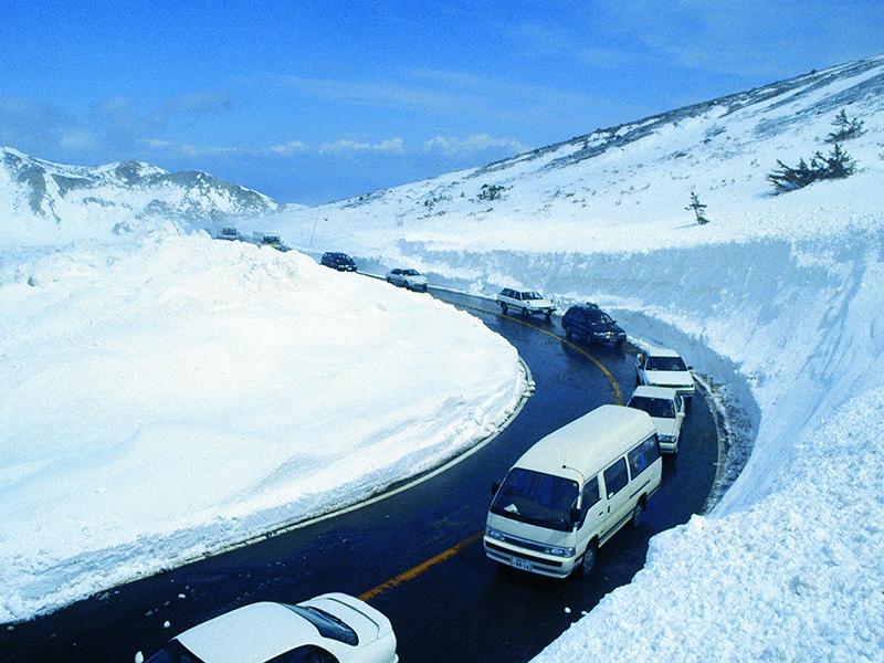 スカイライン(雪の回廊)