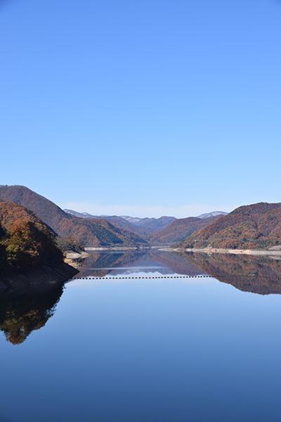 摺上川ダム「茂庭っ湖(モニワッコ)」の紅葉縦4