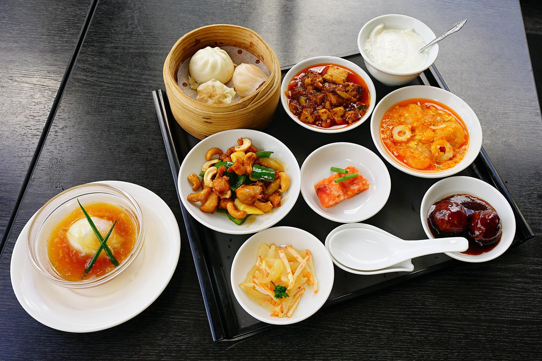 中国四川料理石林(シーリン)